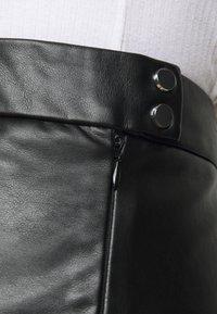Pieces Curve - PCSURIANNA MIDI SKIRT CURVE - A-line skirt - black - 4