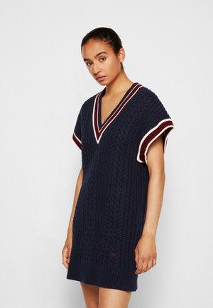 CRICKET JUMPER DRESS - Sukienka dzianinowa - midnight blue