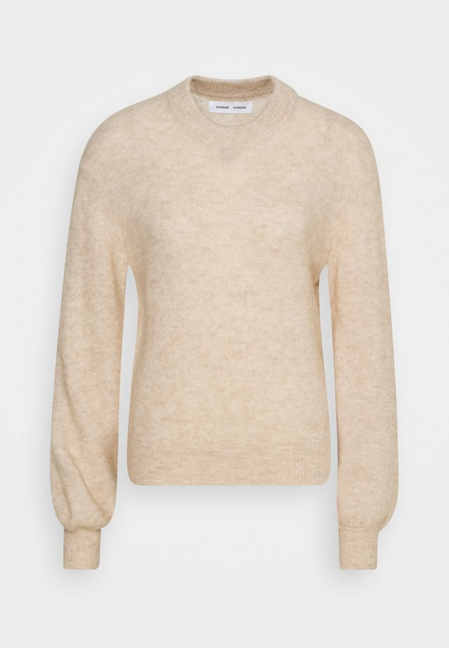 JACI CREW NECK - Strikkegenser - winter wheat