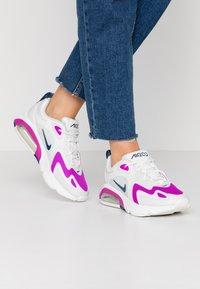 Nike Sportswear - AIR MAX 200 - Sneakersy niskie - photon dust/valerian blue/white/vivid purple - 0