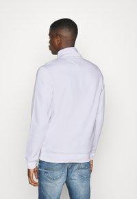 Tommy Jeans - DETAIL MOCK NECK - Sweatshirt - white - 2