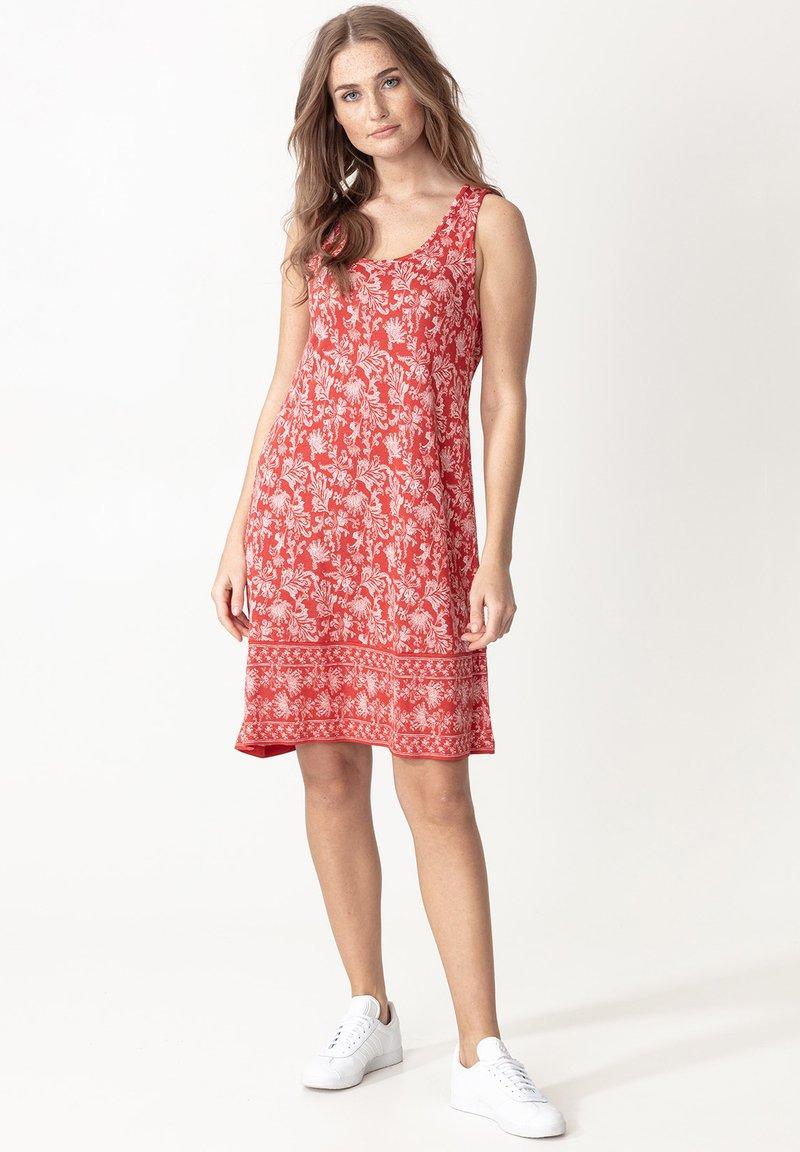 Indiska - DANYLYNN - Jersey dress - red