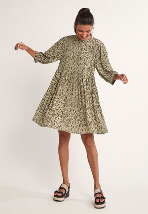 Day dress - khaki rain