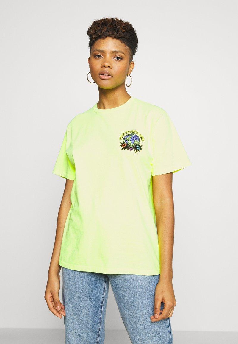 Obey Clothing - TAKE BACK THE PLANET - T-shirt z nadrukiem - neon yellow