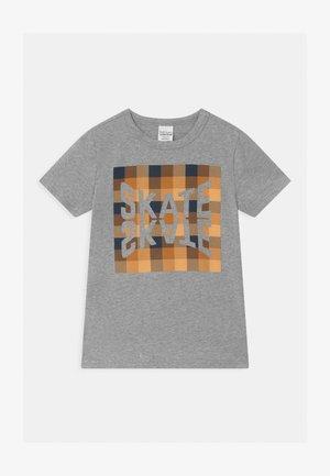 SKATE CHECK UNISEX - Print T-shirt - pale grey