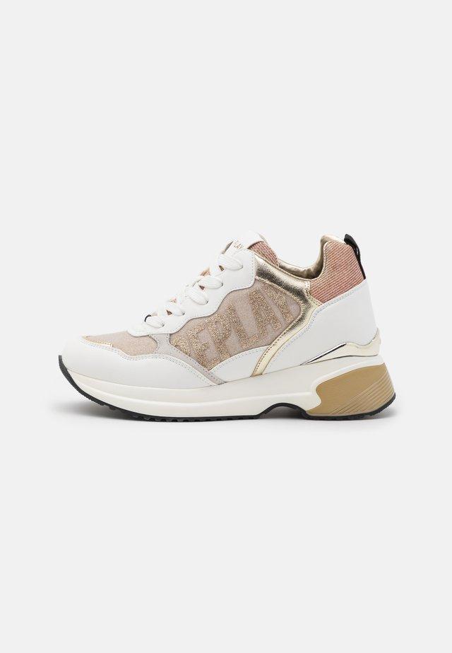 GIRONA - Sneakers laag - white platin
