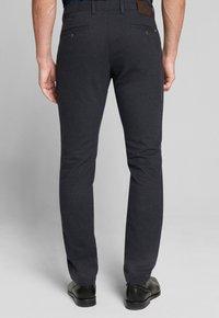 JOOP! Jeans - Chinos - navy gemustert - 2