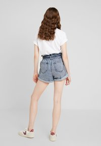 River Island - Denim shorts - acid wash - 2