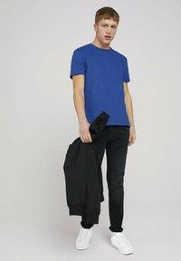 TOM TAILOR DENIM - Print T-shirt - shiny royal non solid - 1