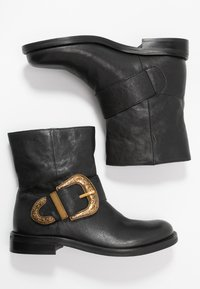 TWINSET - Classic ankle boots - nero - 3