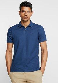 Calvin Klein - REFINED LOGO SLIM FIT - Polo shirt - blue - 0