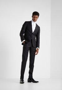KARL LAGERFELD - SUIT VIBRANT - Dress - black - 0