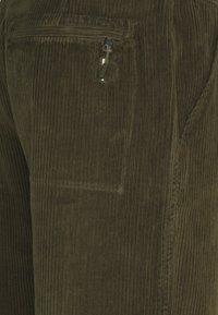 Folk - SIGNAL PANT - Pantalon classique - olive - 2