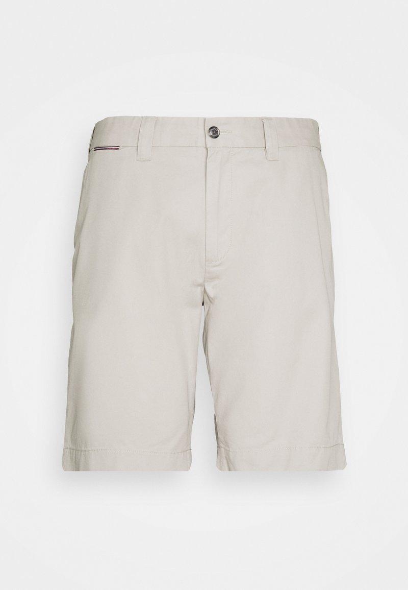 Tommy Hilfiger - BROOKLYN - Shorts - sand