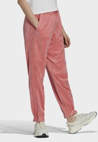 adidas Originals - TRACK PANT - Tracksuit bottoms - hazy rose - 2