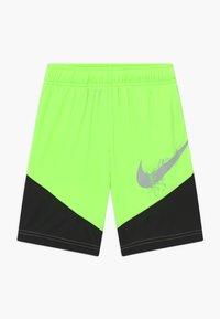 Nike Sportswear - DOMINATE - Sports shorts - ghost green - 0