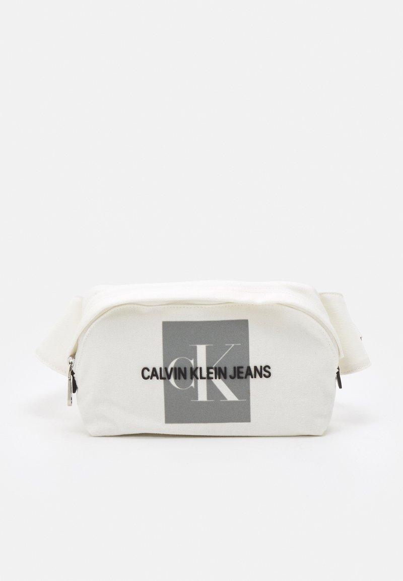 Calvin Klein Jeans - WAIST BAG EXCLUSIVE UNISEX - Bum bag - white