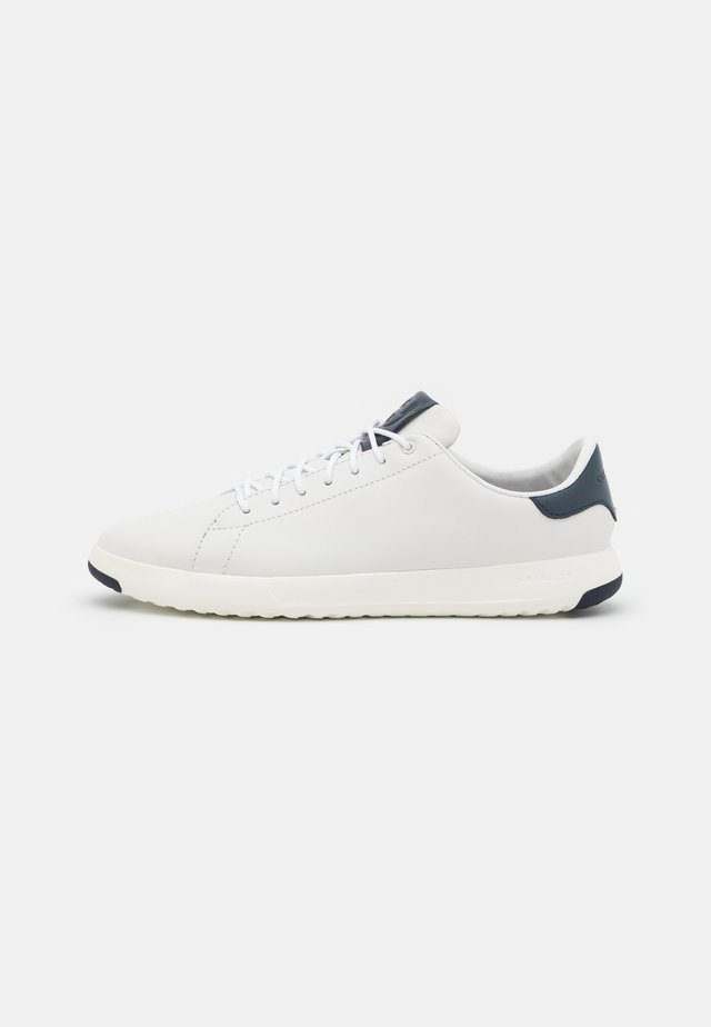 GRANDPRO TENNIS  - Sneakers - white/navy ink