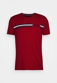 CORP SPLIT TEE - Print T-shirt - primary red