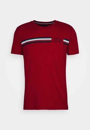 CORP SPLIT TEE - T-shirt imprimé - primary red