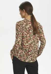 Kaffe - KAFELINE - Camisa - grape leaf - 2