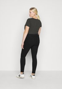 Vero Moda Curve - VMTANYA PIPING - Jeans Skinny Fit - black - 2