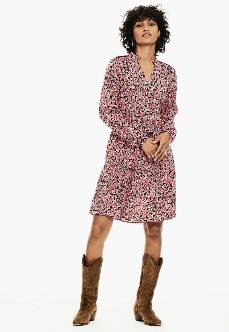Garcia - Shirt dress - fiery pink