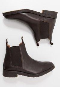 Les Deux - EXCLUSIVE CHEALSEA BOOT - Kotníkové boty - dark brown - 1