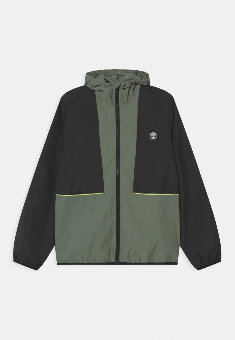 Timberland - HOODED WINDBREAKER - Lehká bunda - green
