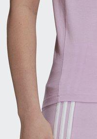 adidas Performance - T-shirts med print - purple - 3
