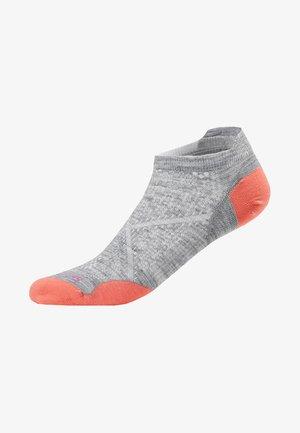 WOMEN RUN ULTRA LIGHT MICRO - Trainer socks - light grey