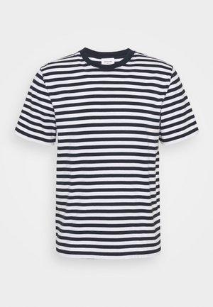 SAMI CLASSIC STRIPE - Camiseta estampada - navy