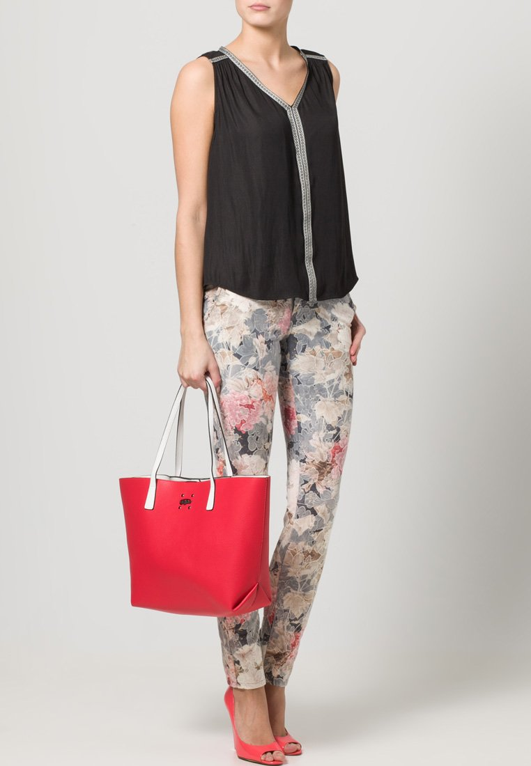 Buffalo - Bolso shopping - red