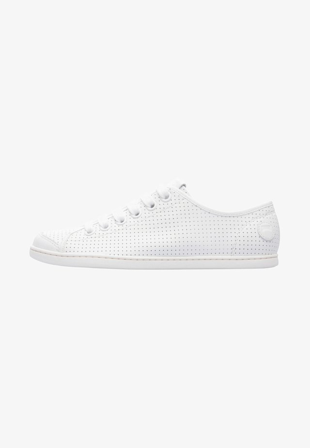 UNO - Baskets basses - white