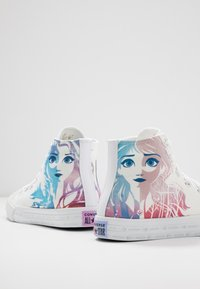 Converse - CHUCK TAYLOR ALL STAR FROZEN - High-top trainers - white/multicolor - 5