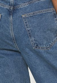 BDG Urban Outfitters - MODERN BOYFRIEND BAGGY JEAN - Jeans relaxed fit - dark vintage - 4