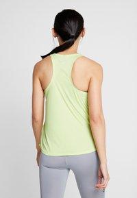 Nike Performance - TANK RUN - Camiseta de deporte - limelight/white - 2