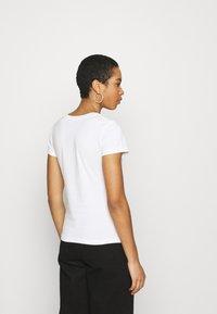 Calvin Klein Jeans - INSTITUTIONAL LOGO TEE 2 PACK - Print T-shirt - bright white/black - 3