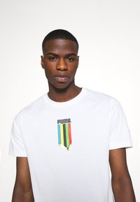 Puma - GRAPHIC TEE - Print T-shirt - white gold - 5