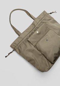 s.Oliver - SAC - Tote bag - khaki - 5