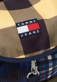 Tommy Jeans - HERITAGE BACKPACK CHECK - Rucksack - blue - 3