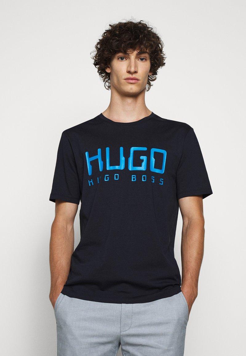 HUGO - DOLIVE - Print T-shirt - dark blue