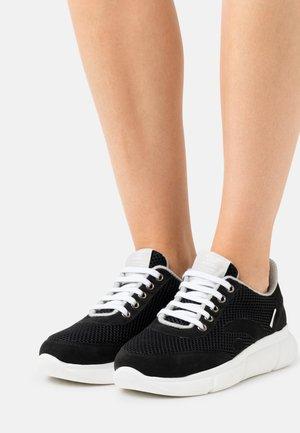 SPEED RECYCLED - Sneakers basse - black
