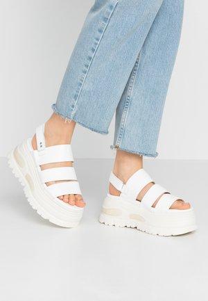 GROUND - Sandały na platformie - white