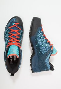 Salewa - WILDFIRE GTX - Hiking shoes - poseidon/capri - 1