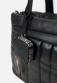 PARFOIS - BRIEFCASE FLUFFY SET - Laptop bag - black - 3