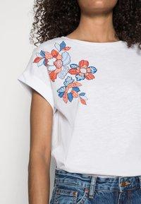 Springfield - CAMISETA SIFNOS - Print T-shirt - white - 4