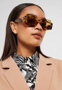 Courreges - Sunglasses - yellow - 1