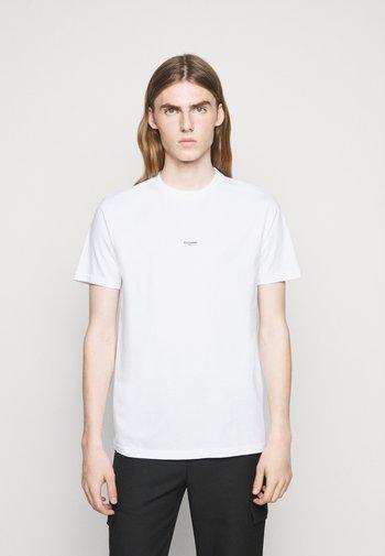 OSLO TEE - Print T-shirt - white