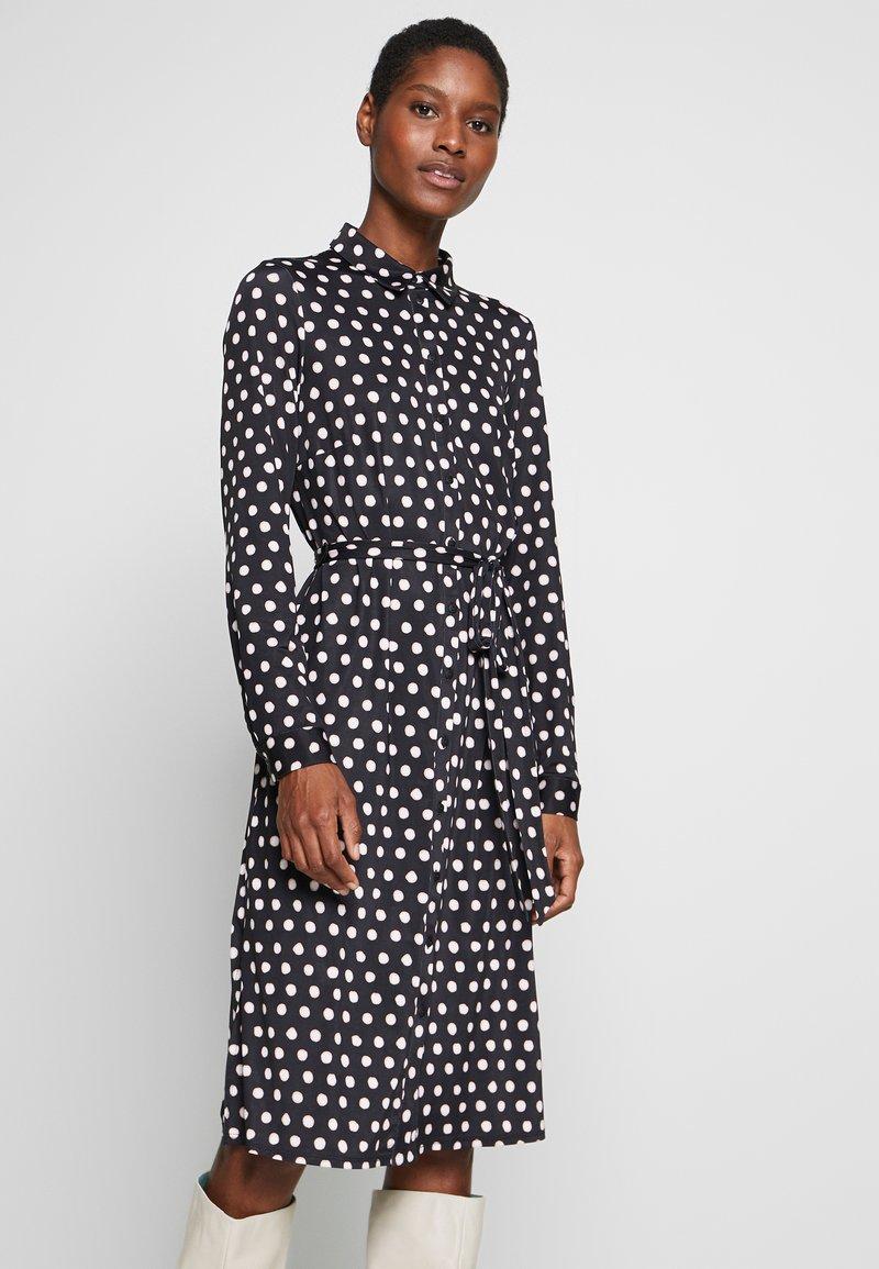 Wallis - SPOT DRESS - Sukienka z dżerseju - black/white